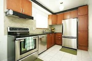 3 Bedrooms Townhouse with Finished basement