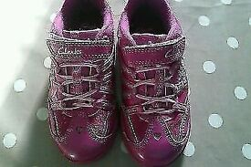 Clark's girls trainer's size 8 with working lights
