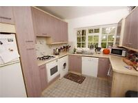 ***Well Presented & Good Size 2 bedroom Flat located in Windsor Road Ealing Broadway***