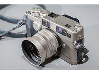 Contax G2 + 45mm Zeiss Planar T f/2 G Lens
