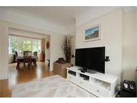 Fantastic 4 Double Bedroom 2 Bathroom Semi Detached Family House In Raynes Park With Large Garden !!