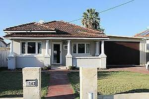 CHARACTER CHARM ON A HUGE BLOCK - FUR BABIES WELCOME Redcliffe Belmont Area Preview