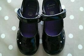 Clark's girls size 8G patent leather shoes with working lights