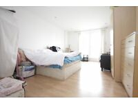 Modern and spacious 1 bedroom apartment, Surrey Quays SE16.