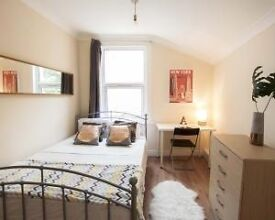 Single bed in 5 rooms shared flat at Katherine Road in London - Room 3
