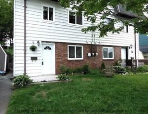 3 bedroom duplex in woodlawn