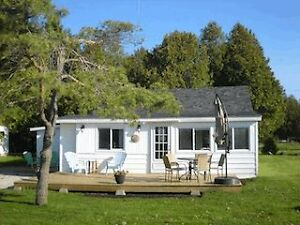 Bluebird Cottage on the warm shores of Lake Huron