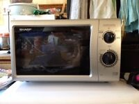 Sharp 800w compact microwave oven in clean condition, Southbourne