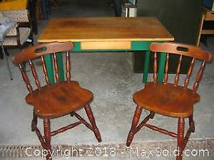Kitchen Table and Chairs B