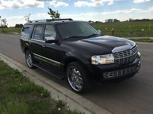 2012 Lincoln Navigator SUV, Crossover