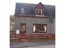 To Let Kingussie- 2 bedroom Semi-detached House with Enclosed Garden and Parking