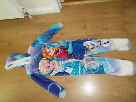 Disney Princess Frozen onesie jumpsuit sleepsuit age 7 - 8 years BNWOT. Grab A bargain!