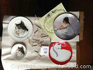 3 cat themed plates, 1 with matching bowl and hangers. C