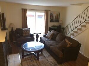 Rent Fully Furnished Townhouse Sarnia Short or Long Term