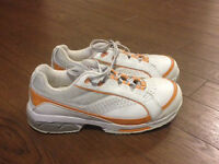 Women's Size 6 Safety Shoes