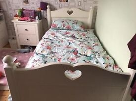 White single bed