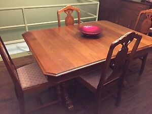 Antique Dining Room Table/Chairs/Cabinet