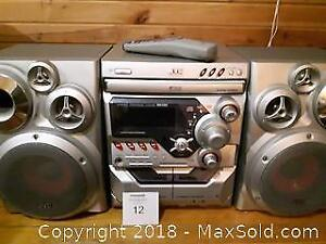 JVC Stereo - Cassette/AM-FM tuner /3 CD Carriage A