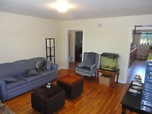 SEPT 1 - UNIQUE 2 BDRM APT IN WEST END WITH PRIVATE DECK& YARD