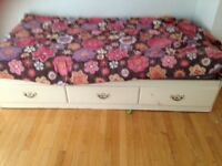 MOVING SALE - MUST GO Single Bed with box and drawers