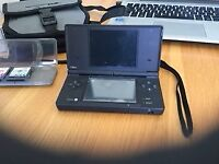 Nintendo DS inc Pokemon HeartGold/Platinum/Pearl + 2 other games/Case/Carry Case