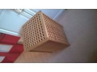Wooden laundry basket with fabric Insert