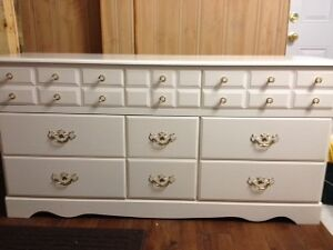 Tripple dresser 4 drawer chest and night stand