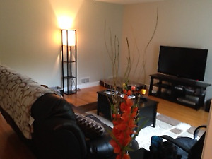Cozy, Quiet Charleswood 2 bedroom + den with garage for rent