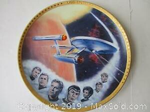 Special Edition Star Trek- Enterprise Collectors Plate With Cast Members Printed In Gold, Signatures.