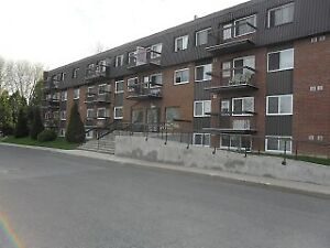 Investment Property - 1 bdr Condo Cornwall.