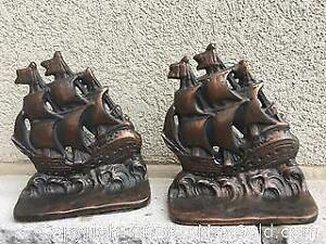 (Heavy) Cast Iron Bookends (LOT Includes Books)
