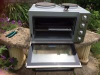 Mini electric cooker and hob.