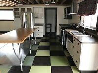 Large 3 Bedroom Downtown