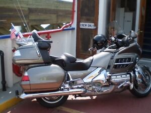 2006 HONDA GOLDWING - MINT CONDITION