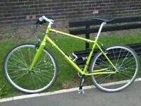 Pinnacle 'top of the range' 2013 Neon 4 hybrid road bike, size large, from Evans bikes in Leeds