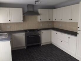 new kitchen with range cooker, 3 bed twn hse, Skelmersdale, Quiet area nice modern hse, view recomm