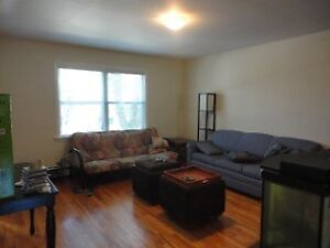 SEPT 1 - UNIQUE 2 BDRM APT IN WEST END WITH PRIVATE DECK & YARD