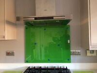 Green toughened glass cooker splashback