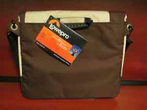 "Lowepro Notebook Computer Bag - fits most 14"" Laptops NEW"