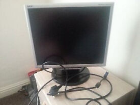 "Monitor NEC MultiSync LCD175M (17"") + ADVENT Kettle Adapter Cable"