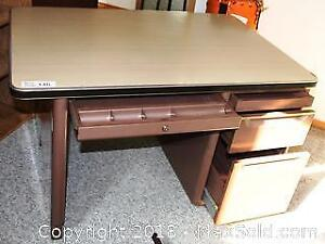 "Metal Desk with 4 Drawers HEAVY-BRING ASSISTANCE TO MOVE Pick up in Time-slot ""C"" ONLY"