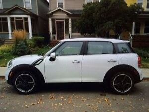 2012 MINI Cooper S Countryman Sedan