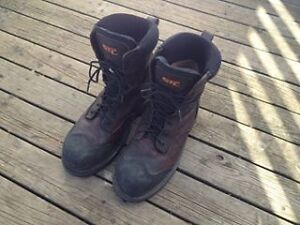 STC Creston size 9 work boots, hardly worn like new condition