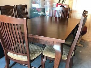 Birch Chestnut Washed Dining Room Table ~ 8 Chairs & Extension