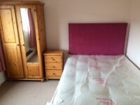 2 Double rooms to rent in spacious 2 bedroom 1st floor maisonette, 8 mins walk from Clapham junction