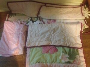 3 peace set girls crib bedding set (smoke free home) 45obo