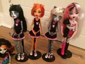 4 x Monster High & 1 Bratzilliz Doll