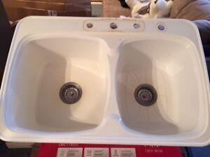 Lavabo de cuisine en composite Mirolin - deux sections