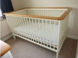 Kidsmill Savannah Cot /Cot bed and Changing unit