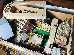 VINTAGE FALLER MODEL TRAIN HOUSES ETC